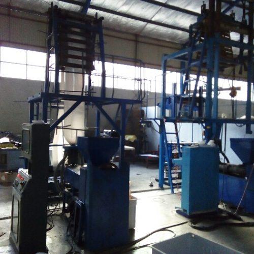 فروش کارخانه تولید نایلون با خط شستشو و گرانول ساز و تولید و دوخت همراه زمین ۱۳۰۰متر
