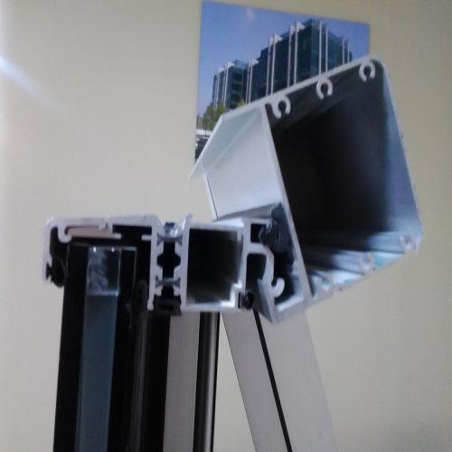 تولید کننده انواع پروفیل آلومینیوم و درب و پنجره و نما