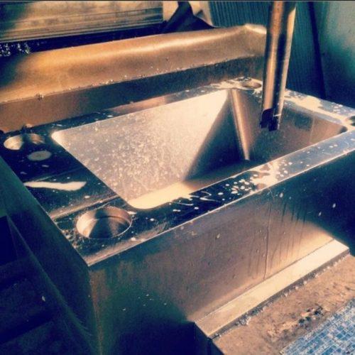 خدمات فرز CNC و ساخت قالب و پرسکاری