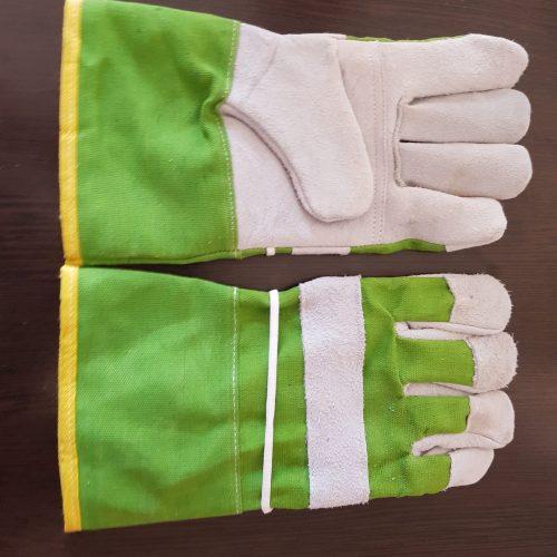 تولید و توزیع انواع دستکش های صنعتی و کارگری با با قیمت مناسب