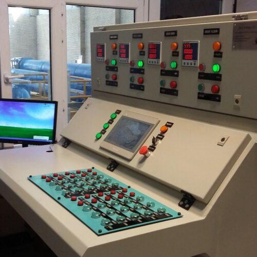 طراحی، ساخت و مونتاژ انواع تابلو برق های صنعتی